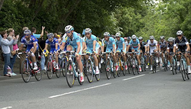 פלוטון, טור דה פרנס, מירוץ אופניים