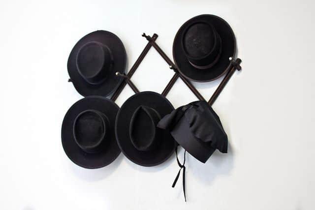 אמיש, כובעים, כיסוי ראש
