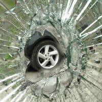 התרסקות, זכוכית מנופצת, תאונת דרכים
