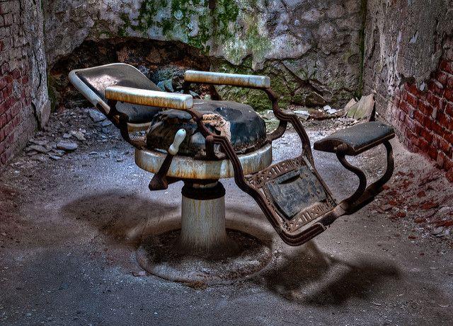 כיסא של ספר, מספרה