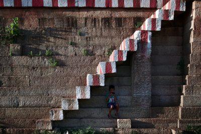 ילד, מדרגות, טמיל נאדו, הודו