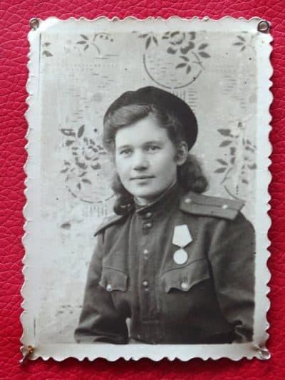 חיילת. סובייטית, פרטיזנים, אוקראינה, אודסה