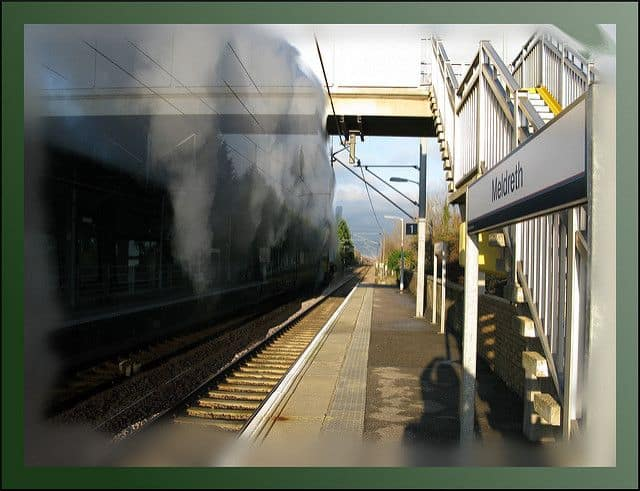 רכבת, מלדרת', תחנת רכבת