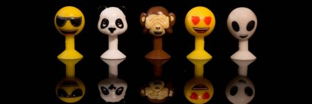 אימוג'י, שלושה קופים, רוח רפאים