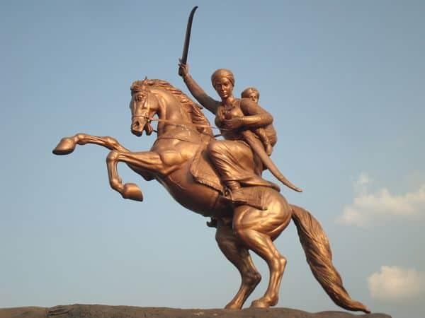 לאקשמיבאי, המרד ההודי הגדול, מאהרשטרה