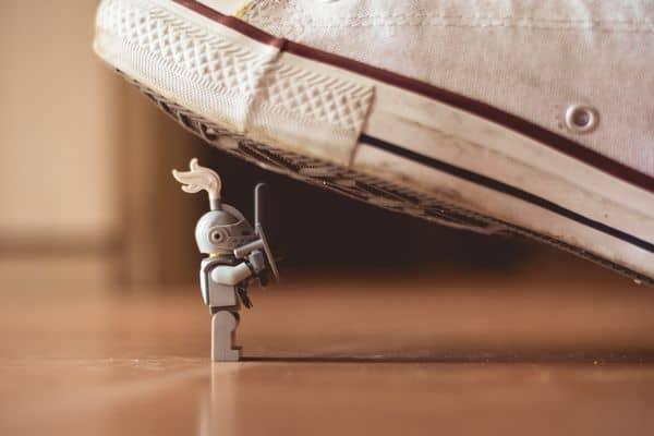 רובוט, לדרוך, נעל התעמלות