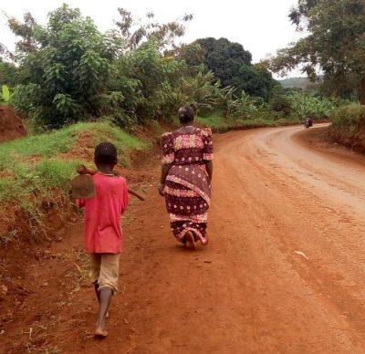 אוגנדה, אישה, ילד, דרך עפר