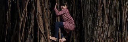 ילדה, שורשים, עצים