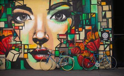 אופניים, אישה, גרפיטי