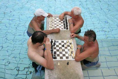 שחמט, בודפשט, מרחצאות