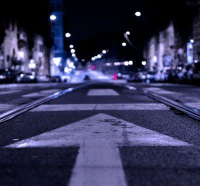 רחוב, לילה, עיר, אספלט, חץ, קדימה
