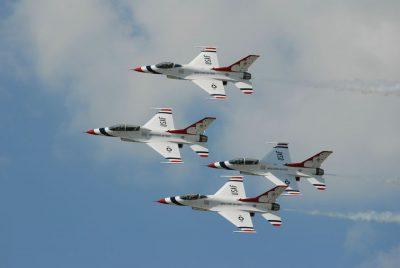 אווירובטיקה, Thunderbird, מטס אווירי