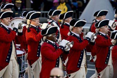 """צבא ארה""""ב, תזמורת, השבעת הנשיא, כלי נשיפה, תיפוף"""