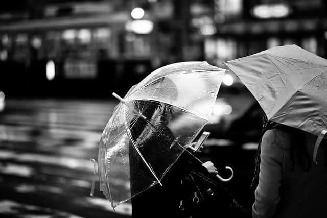הירושימה, רחוב, גשם, מטריות