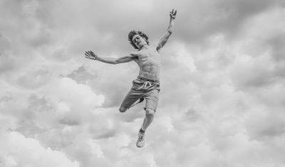 צעיר קופץ, נפילה מהשמיים