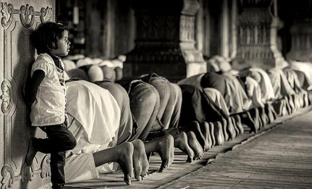 מסגד, הודו, תפילה, רשת חברתית