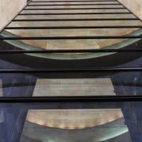 מנהרה, זכוכית, השתקפויות
