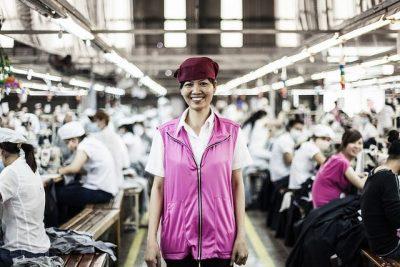 פועלת, מפעל, טכסטיל, וייטנאם