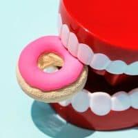 צעצוע, שיניים