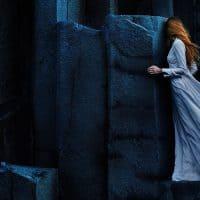 איסלנד, סלעים, בזלת, אישה, שמלה ארוכה