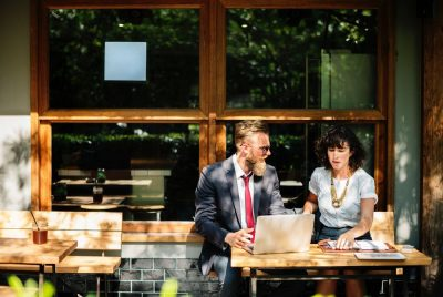 עובדים, פגישת עבודה, בית קפה