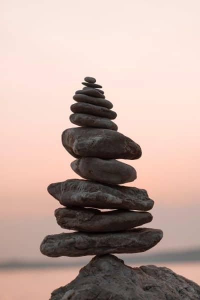 אבנים, גל אבנים, שיווי משקל, בודהיזם