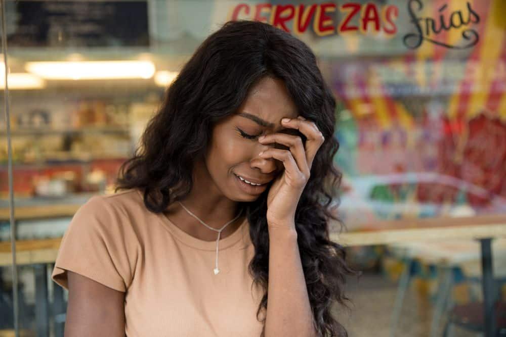 כאב ראש, אישה צעירה