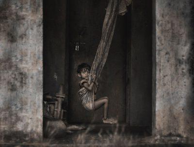 ילדה, הודו, נדנדה