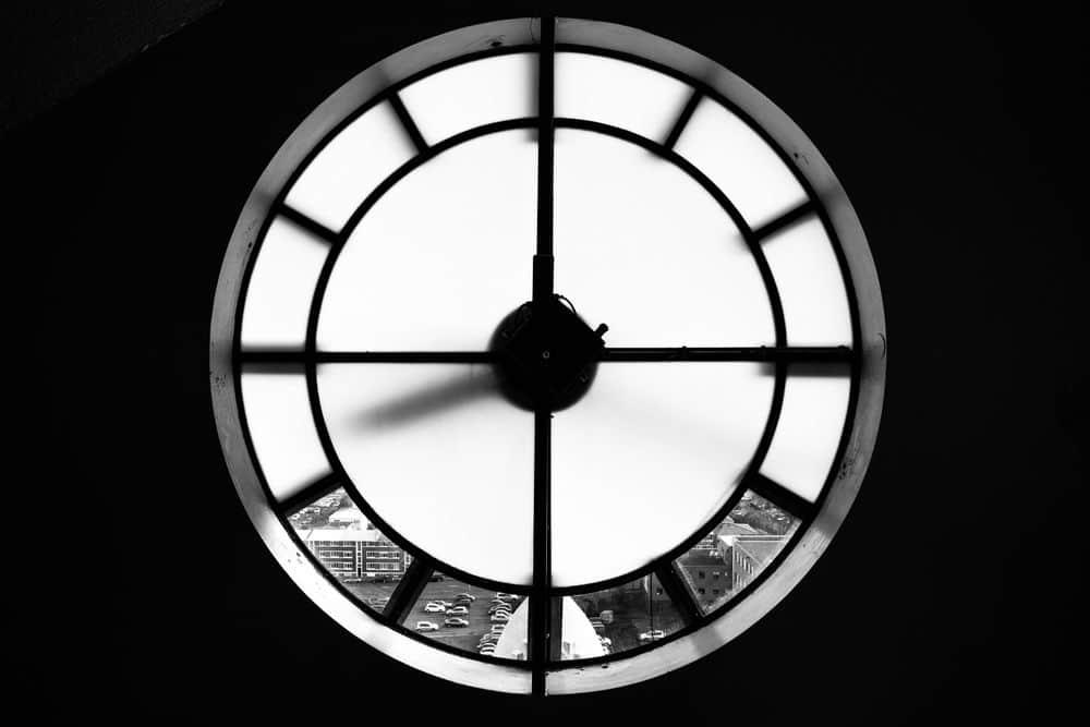 שעון, כנסייה, איסלנד