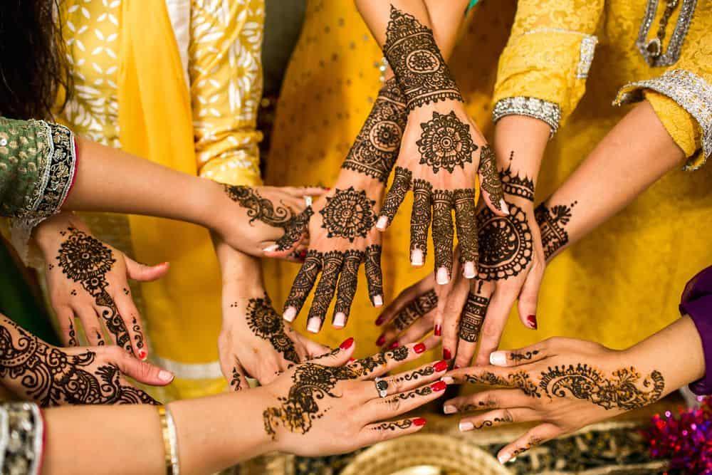 כלות, הודו, Mehndi, חינה, כורכום