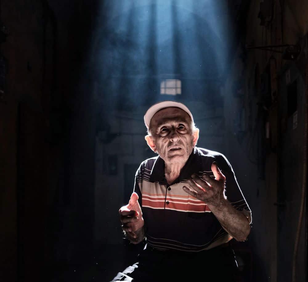 זקנה, זקן, קשיש, להיות או לא להיות