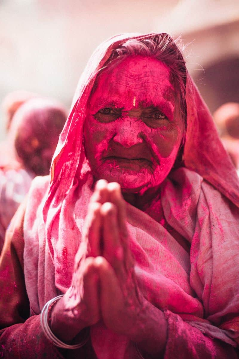 אלמנה, הודו, Holi