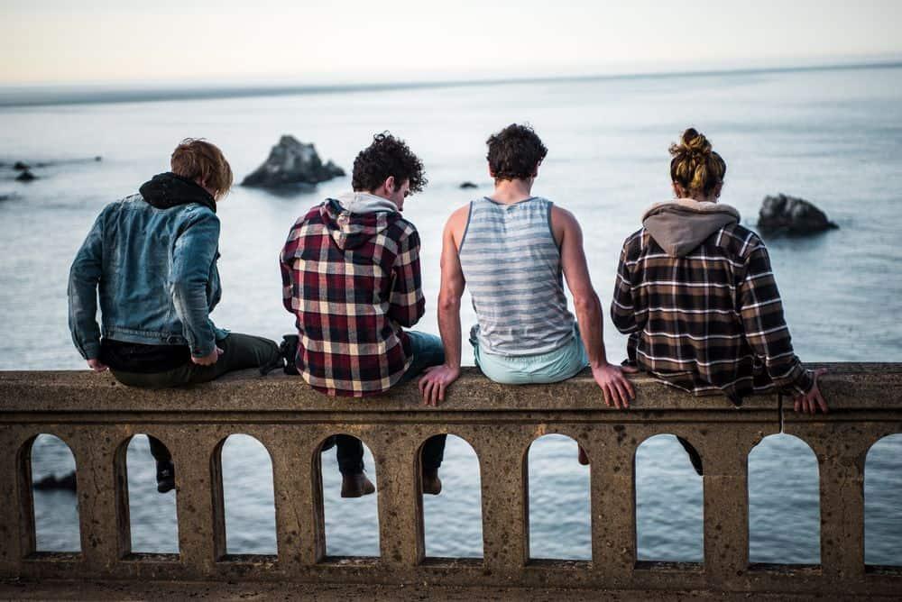 אנשים, ים, צעירים