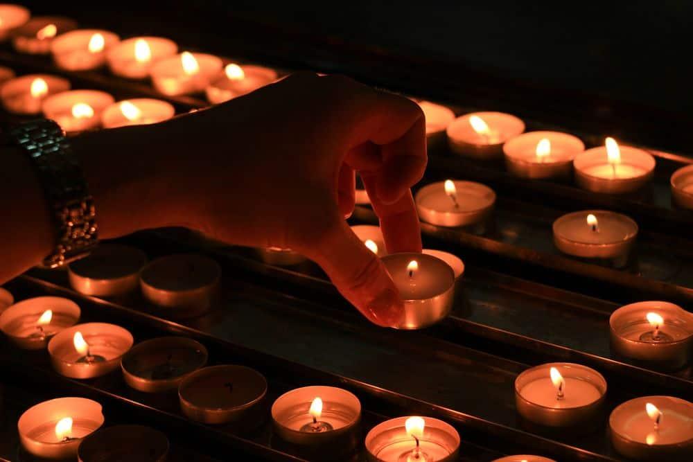 נרות, כנסייה