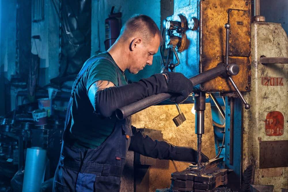 פועל, מקדחה, מפעל, תעשייה