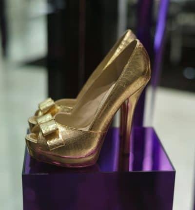 נעליים, נעלי זהב, נעלי עקב, נעלי יוקרה