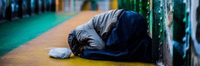 מילנו, איטליה, קבצנית, חסרת בית