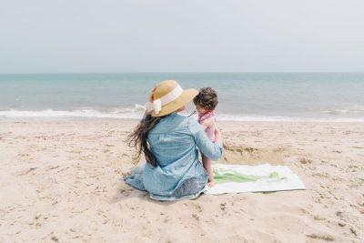 אם ובתה, חוף, Nantucket
