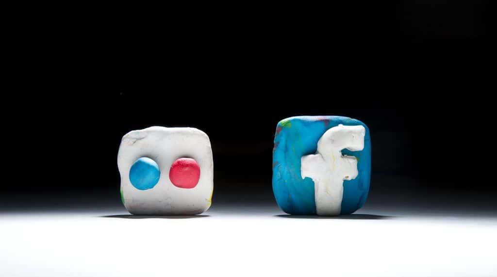 פייסבוק, פליקר, רשתות חברתיות, פלסטלינה