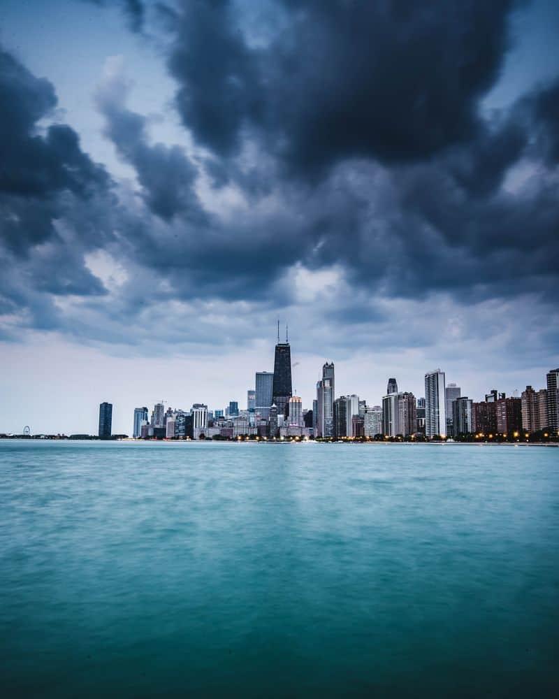 שיקגו, עננים שחורים