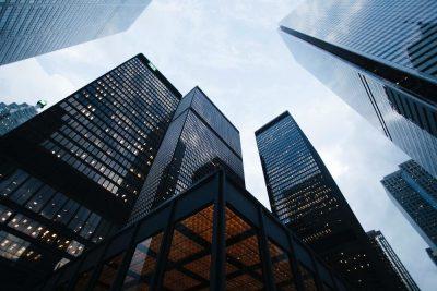 בנייני עסקים, גורדי שחקים, תאגידים