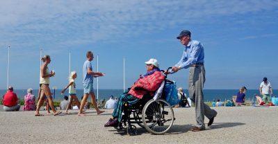 הולנד, האג, טיפול, קשיש