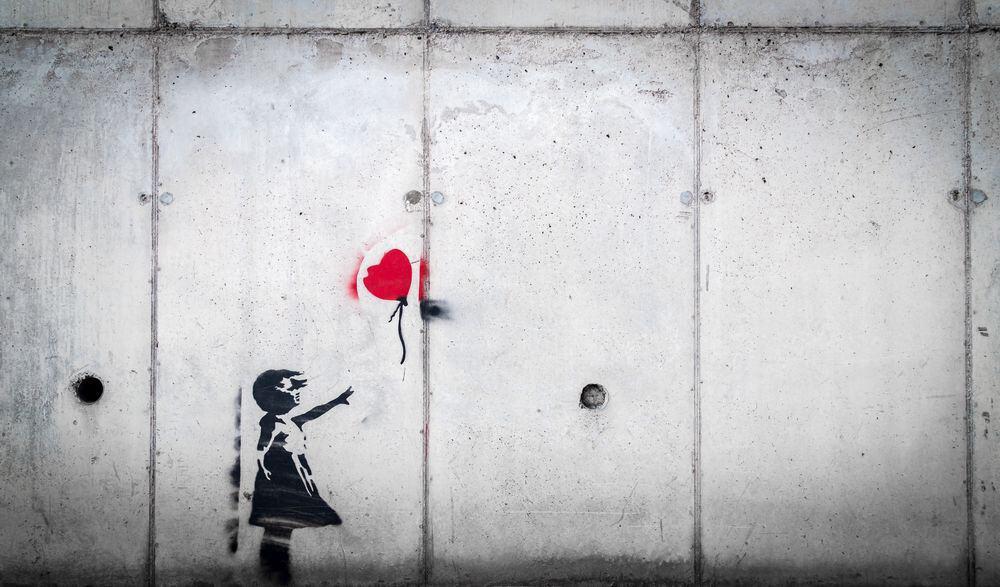 היידגר, ילדה, בלון, חומה