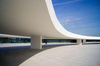 נימאייר, אווילס, ספרד, אדריכלות, פרופורציות