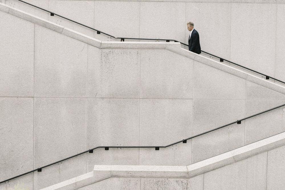 מדרגות, עולה ויורד