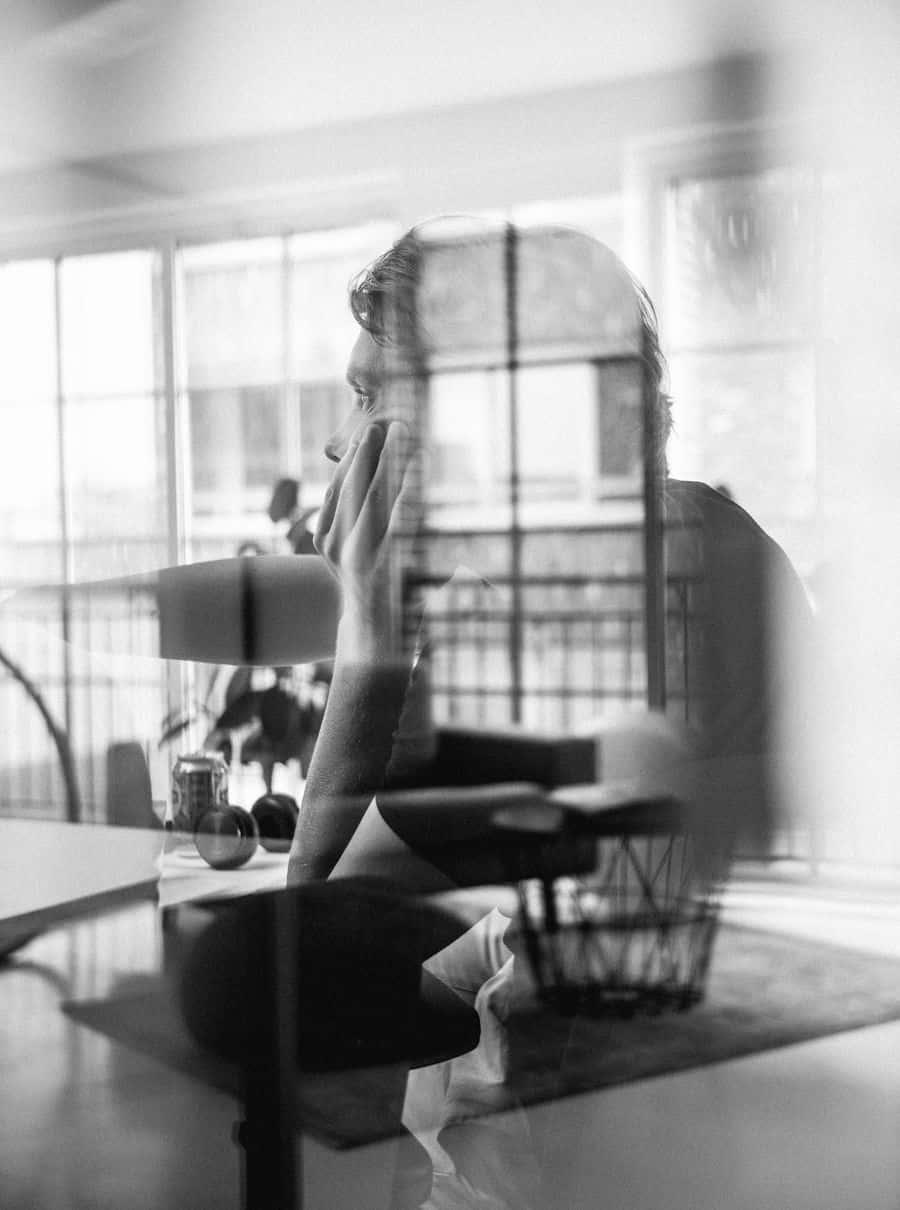 לבד, חלון, אמסטרדם