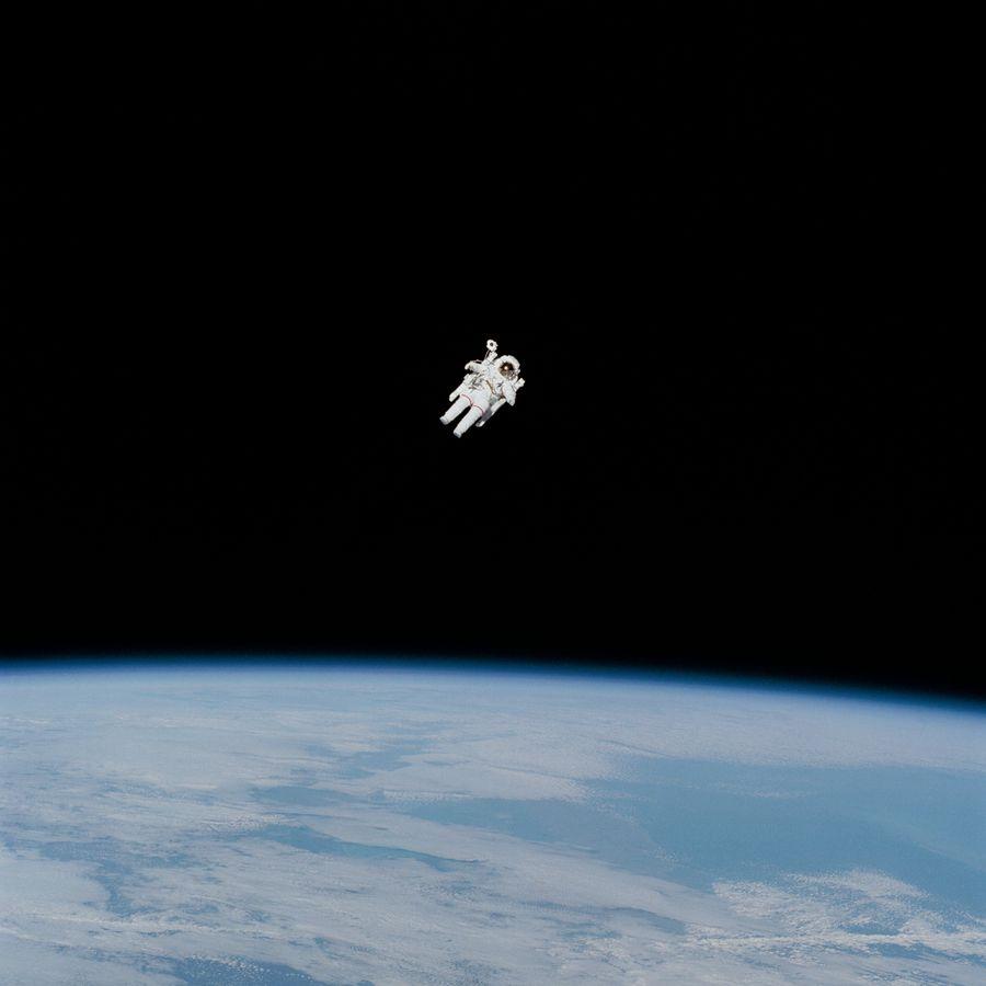 אסטרונאוט, ריחוף, חלל