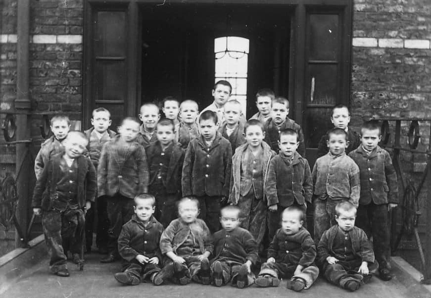 בית מחסה, אנגליה, ילדים