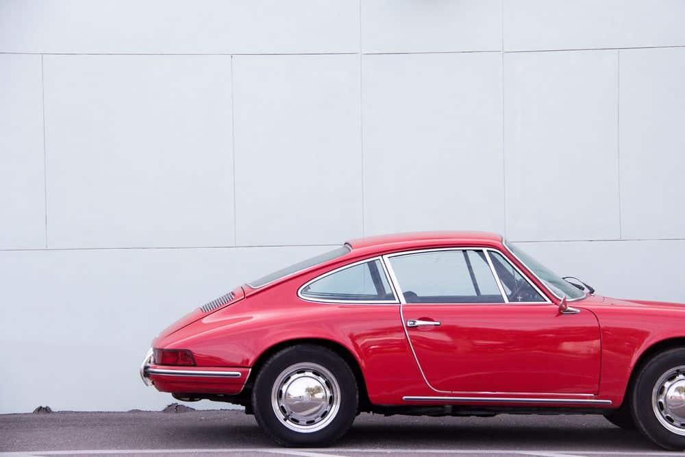 פורשה, מכונית אדומה