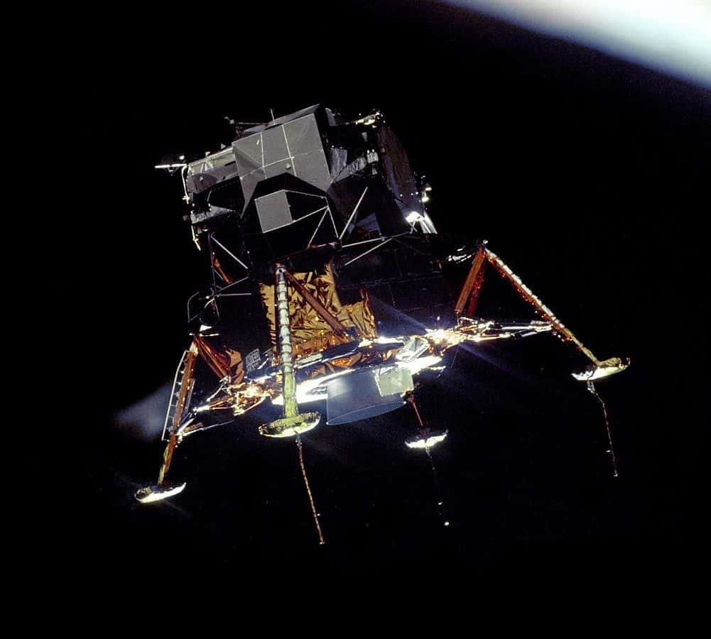 אפולו 11, נחיתה על הירח, מודול נחיתה